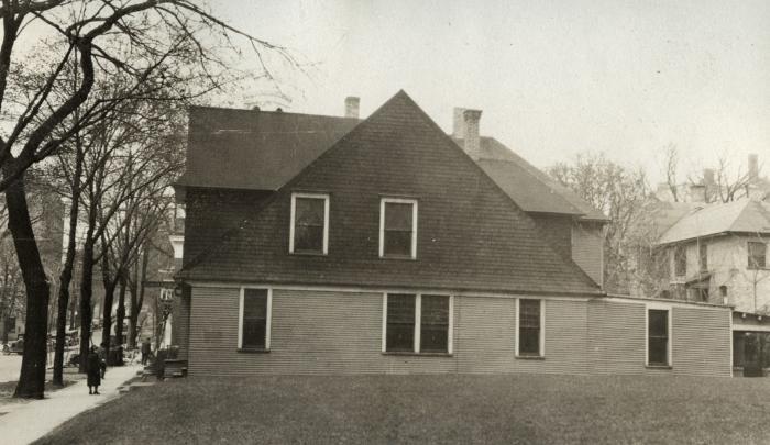 Bostwick Avenue House