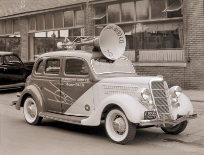 Standard Auto Broadcast Car
