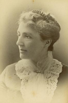 Mrs. Lee Fitch