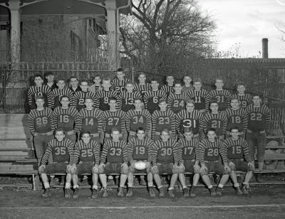 East Grand Rapids School football teams