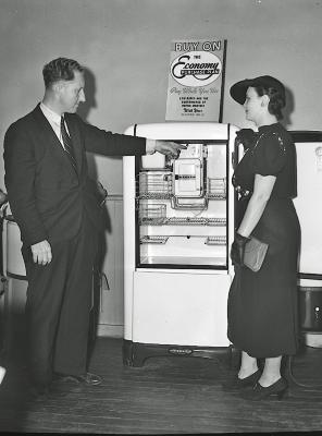 Comstock Appliance Store, Mr. Comstock and lady