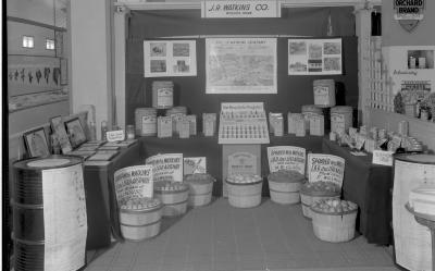 J. R. Watkins Co., Display at Apple Show