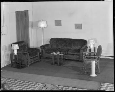 Winegar Furniture Company, furniture settings