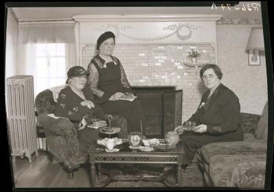Women at tea