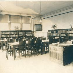Sigsbee Branch School Library
