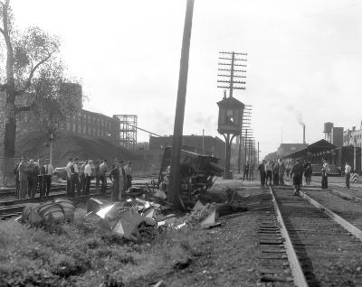 Accident, 9th Street at railroad