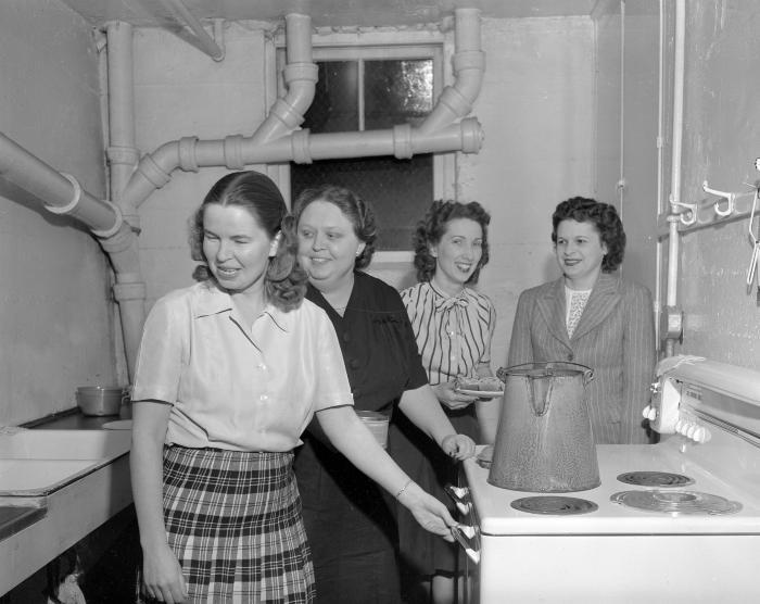 Ada, Michigan, Mothers' Club