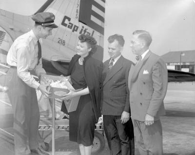 Air Express cake going to Washington