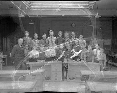 Airplane model contest, Burton School