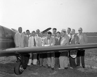 Airport, Expansion signing