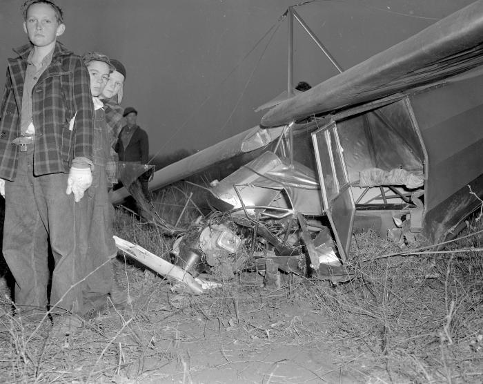 Airplane crash, Delaney Rd. 1/2 mile south of M-50