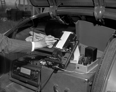 Airport Survey, Sound Machine