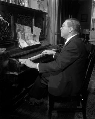 "Joseph Alden, composer, """"Sleepy Time Gal"""""