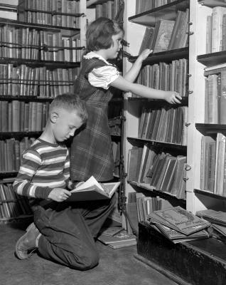 Alger School, bookmobile