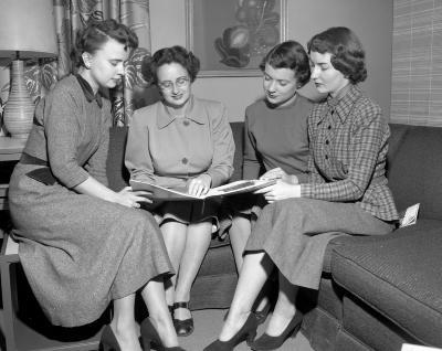 American Association of University Women, Committee at Herpolsheimer's