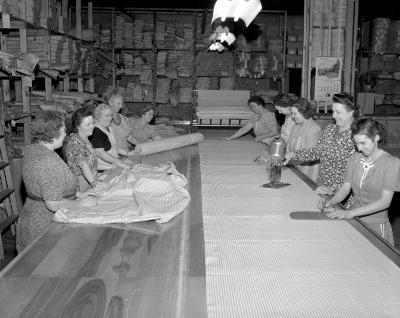 American Auto Felt Company, Women working