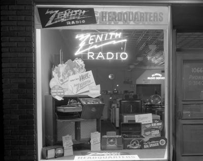Alvene's Zenith Radio Display