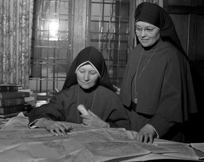 Aquinas College, Nuns