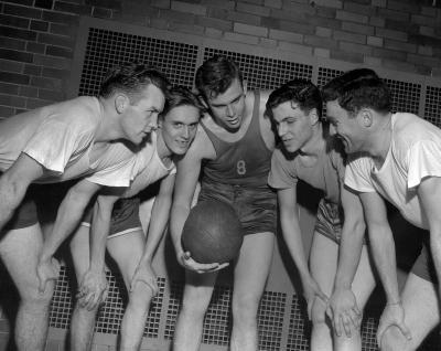 Aquinas College, Basketball team