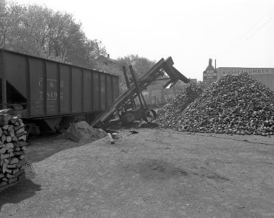 Backart Coal Company, unloading coal