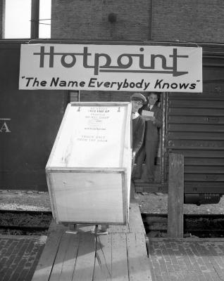 B and W Distributing Company, Hotpoint Washer