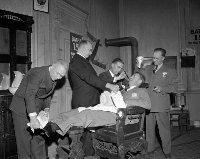 Barber Shop Quartet at Pantlind Hotel