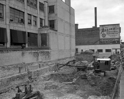 Barnes, Ray, Construction outside window