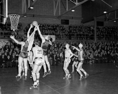 Basketball, Calvin vs. Grand Rapids Junior College at Burton