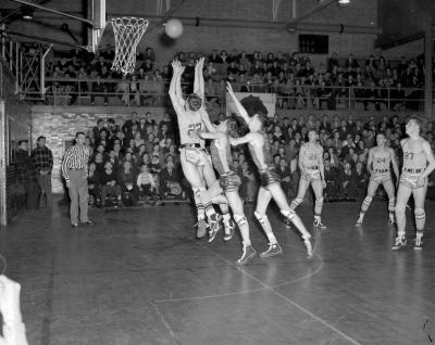 Basketball, Calvin vs. Junior College at Burton