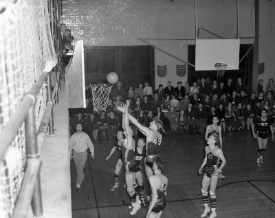 Basketball, Central vs. Christian