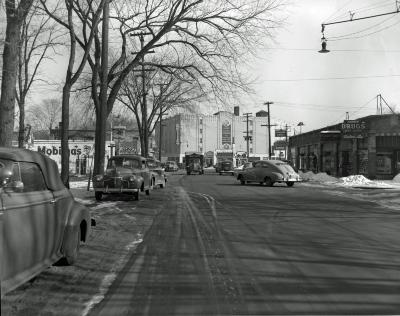 Lake Drive SE at Robinson Road, looking southeast