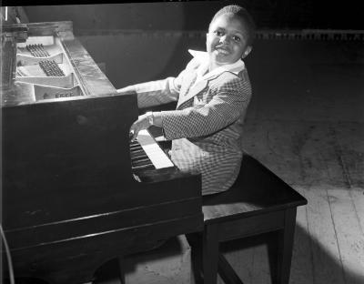 """""""Sugar Chile"""" Robinson, child pianist"""