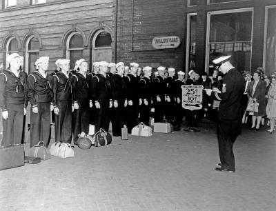 Naval Reserve, leaving for active at Union Station