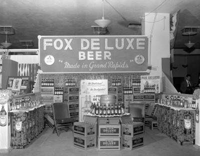 Fox Deluxe Brewing Co. display