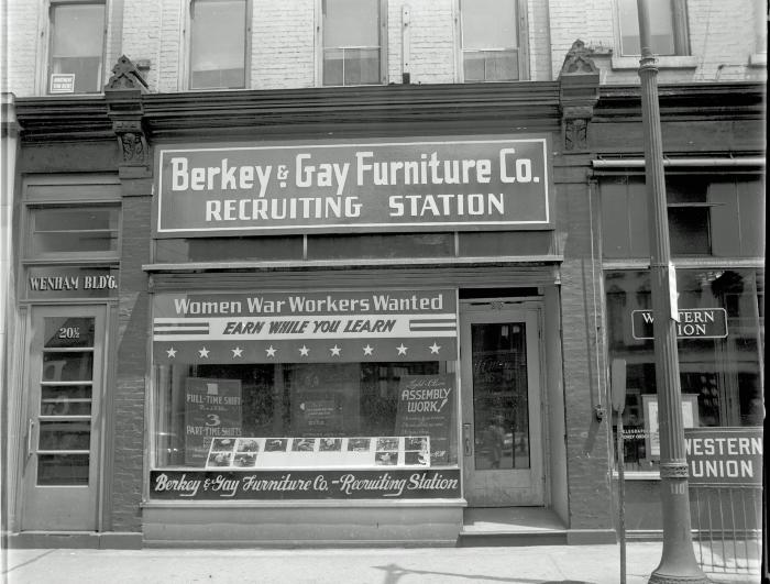 WWII Recruiting station for women war workers